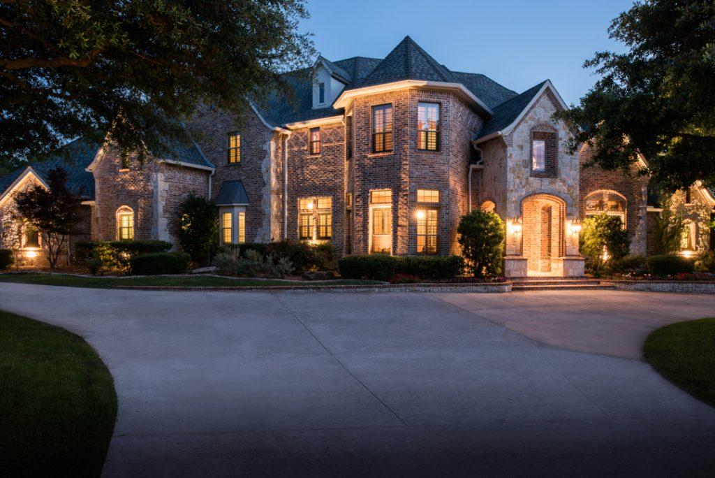 660 Forest Oaks